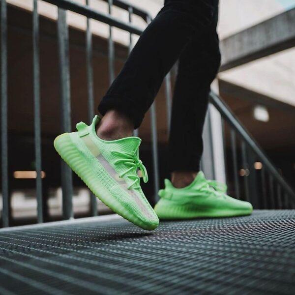 کتونی Adidas yeezy 350 v2